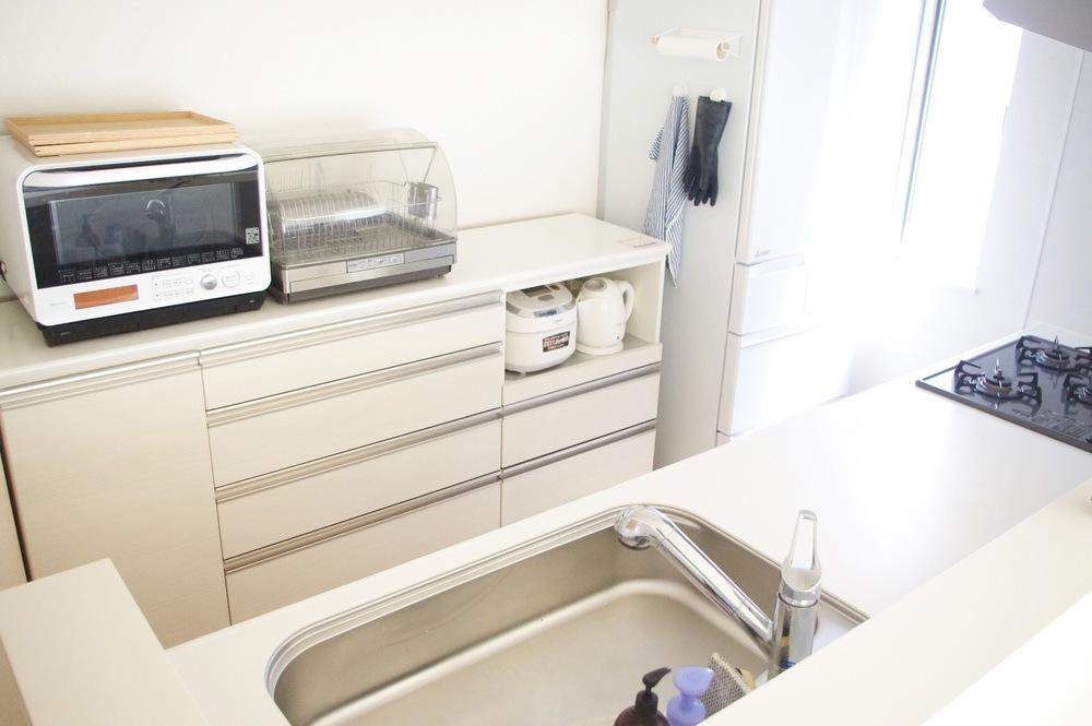 以前、クローゼット収納におすすめの無印良品のアイテムを紹介しましたが、今回はズバリ、キッチン収納に注目。使える3つのアイテムを紹介します。