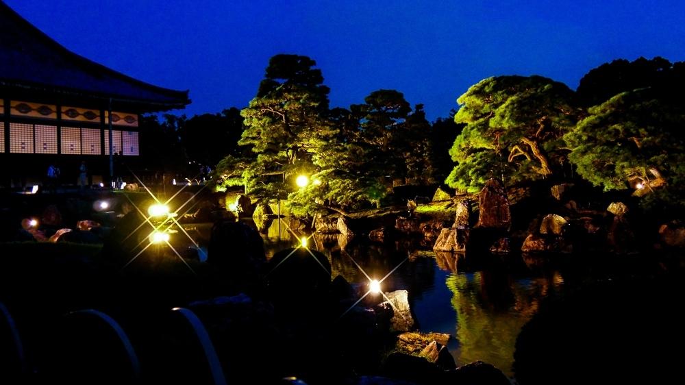 二之丸庭園ライトアップ.jpg